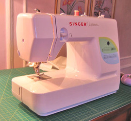 Sewing_machine_2